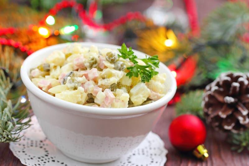 Русский традиционный салат Olivier для партии Нового Года стоковое фото rf