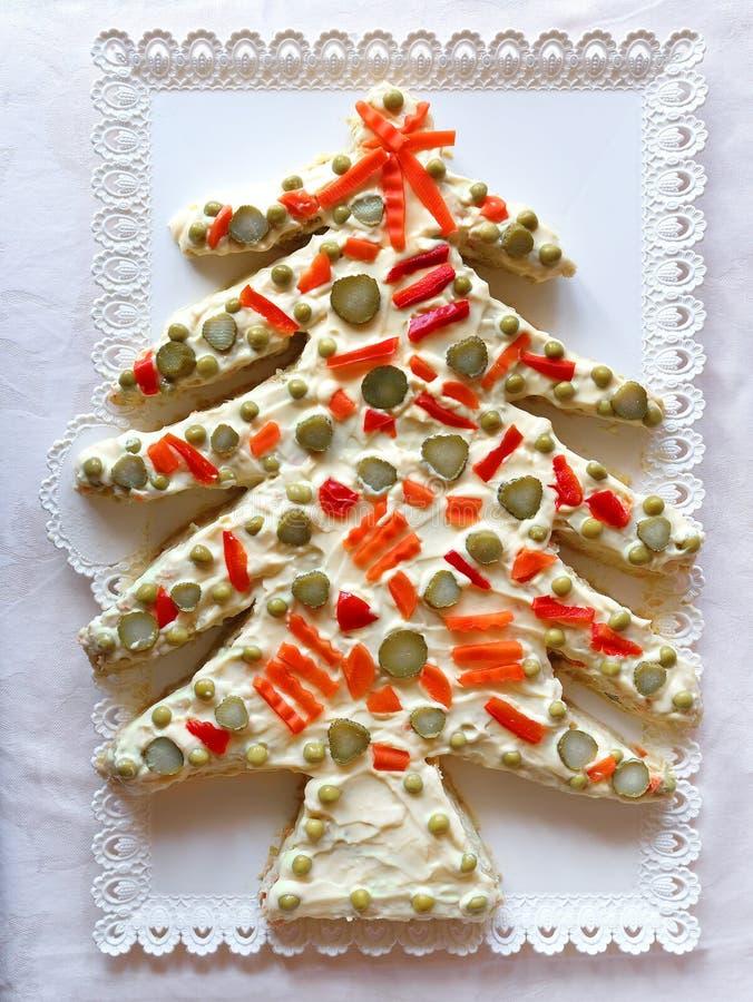 Русское сформированное дерево xmas рождества салата стоковые фотографии rf