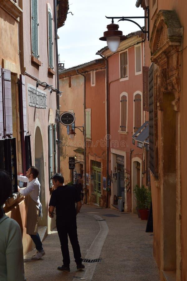 Рута Ричард Casteau, Руссильон, Провансаль, Франция стоковые фото