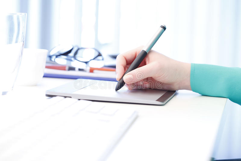Ручка и касание стоковые фото