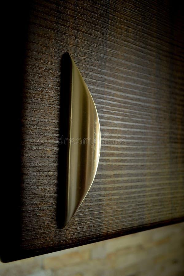 Ручка кухонного шкафа стоковое фото