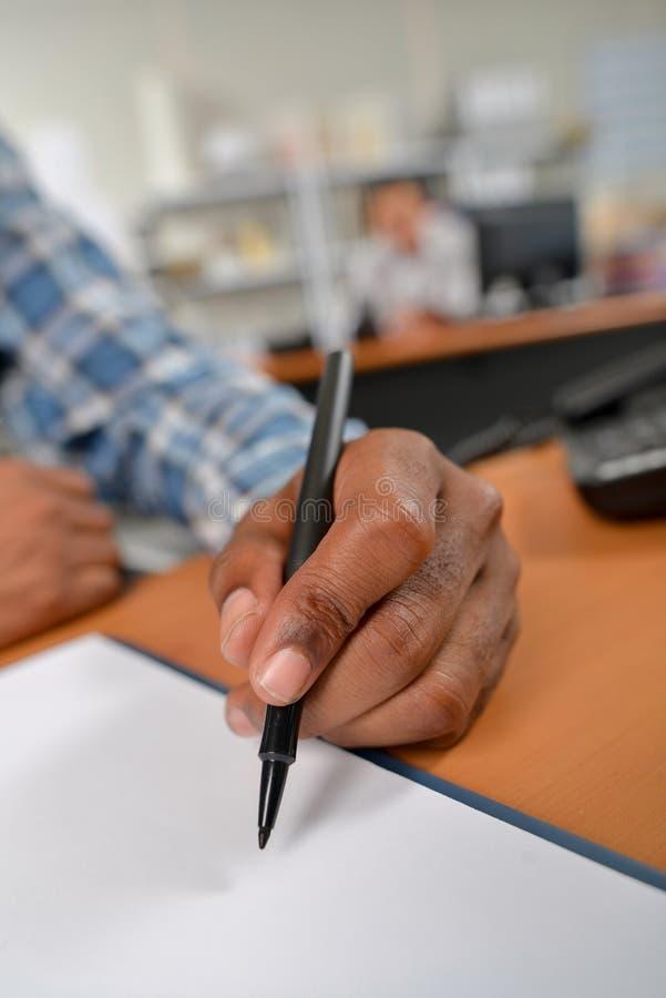 Ручка удерживания руки конца-вверх стоковые фото