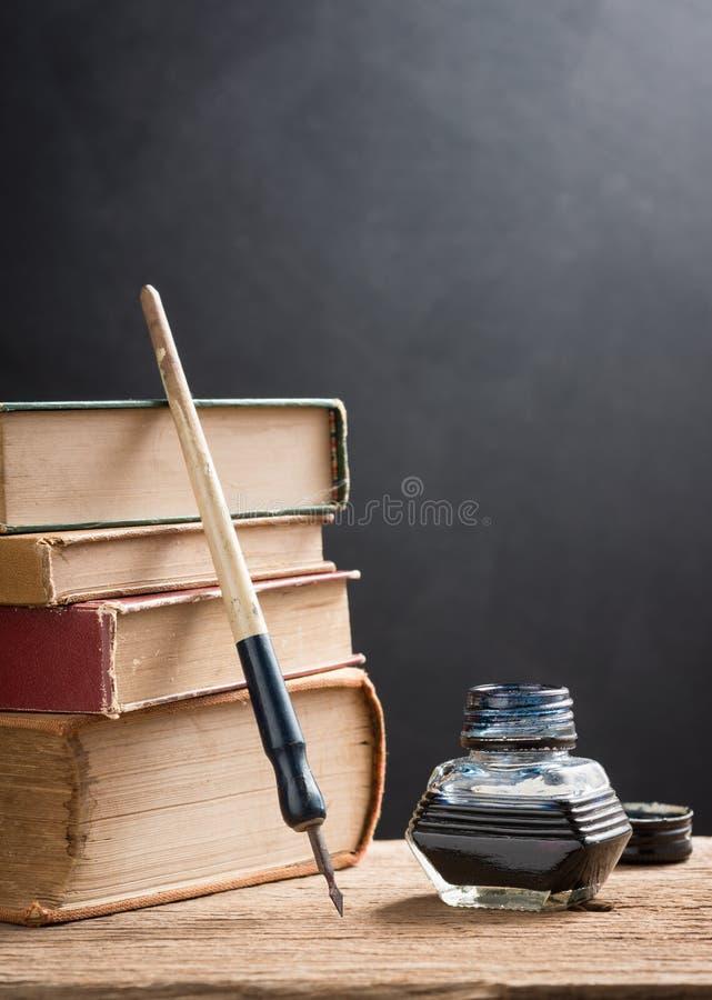 Ручка чернильницы и погружения стоковые изображения rf