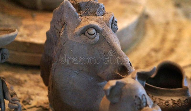 Ручной работы голова лошади глины стоковая фотография