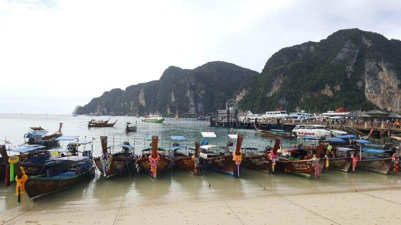 Рыбацкая лодка в Таиланде стоковые фотографии rf