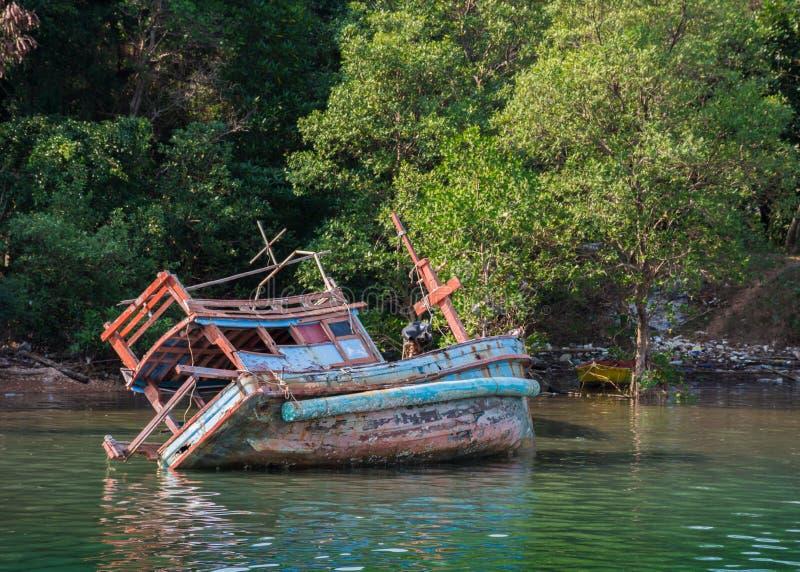 Рыбацкая лодка, шлюпка, удя общину, море, залив стоковое фото rf