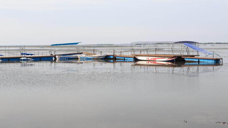 Рыбацкие лодки и лагуна на Джафне - Шри-Ланке стоковые изображения