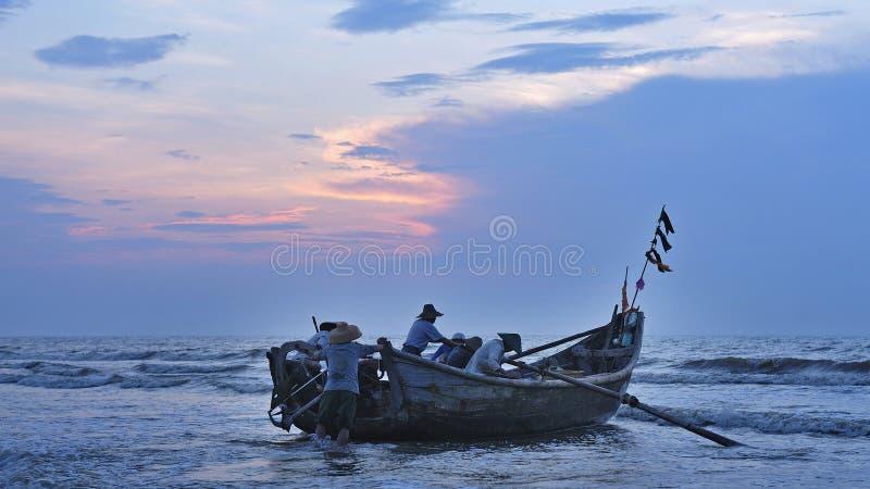 Рыбацкие лодки стоковое изображение rf