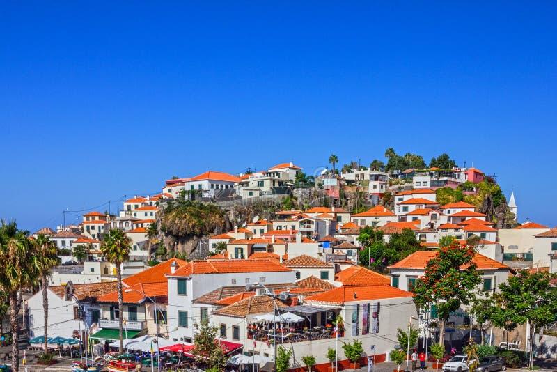 Рыбацкий поселок Camara de Lobos острова Мадейры, Португалия стоковая фотография rf