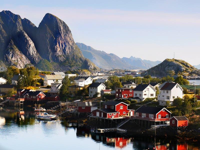 Рыбацкий поселок Reine Lofoten Норвегия стоковые фото