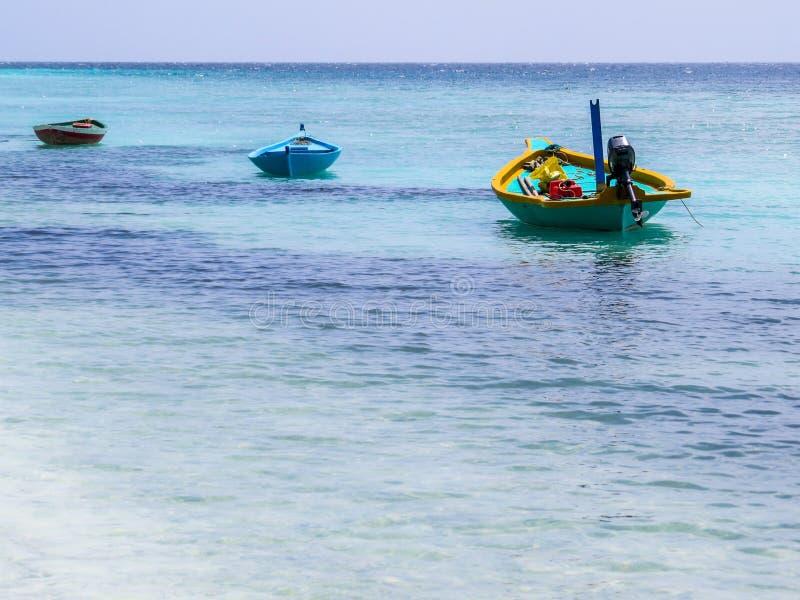 3 рыбацкой лодки в Мальдивах стоковые изображения rf