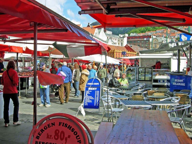 Рыбный базар в Бергене (Норвегия) стоковое изображение