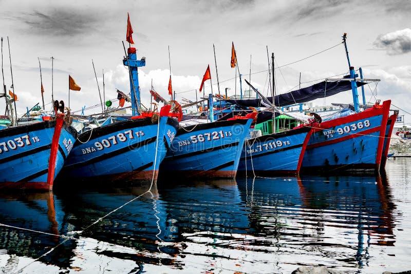 Рыбный порт в danang во Вьетнаме стоковые изображения rf