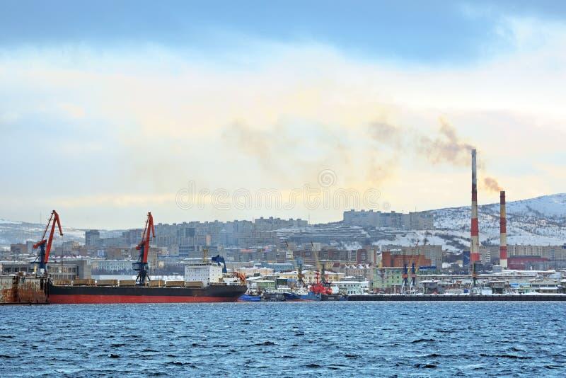 Download Рыбный порт моря редакционное фото. изображение насчитывающей пасмурно - 81804811