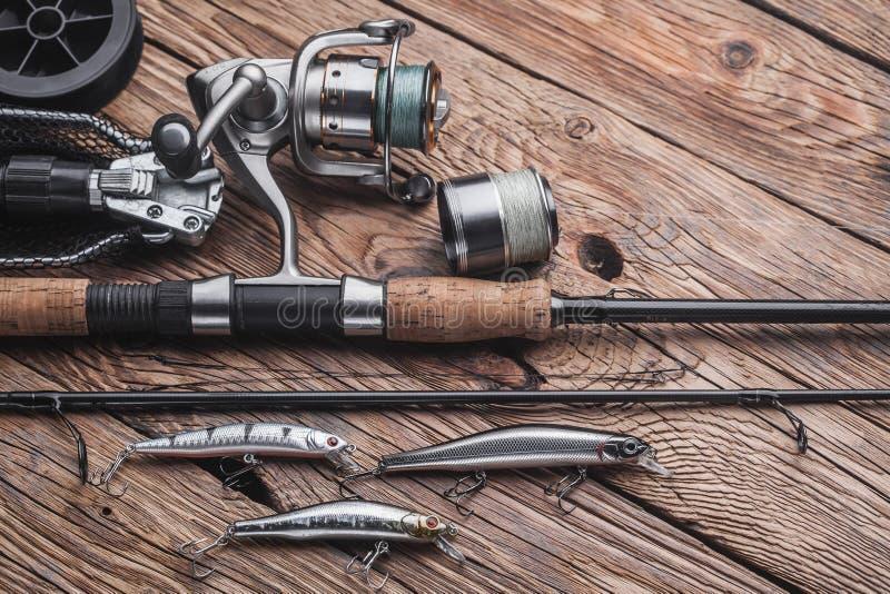 Рыболовные снасти для улавливать захватнических рыб Wobblers, закручивая, вьюрок, удя линия стоковые фото