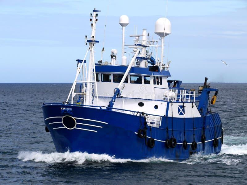 Рыболовецкое судно стоковые изображения