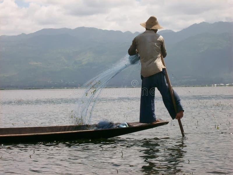 Рыболов Intha от Мьянмы стоковые фото