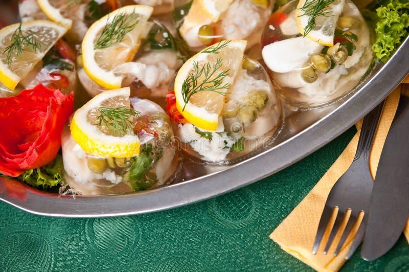 Рыбы в еде геля стоковое изображение rf