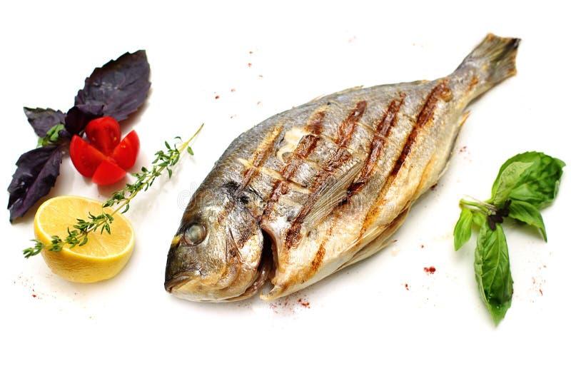 Рыбы Dorado с гарнируют стоковые изображения