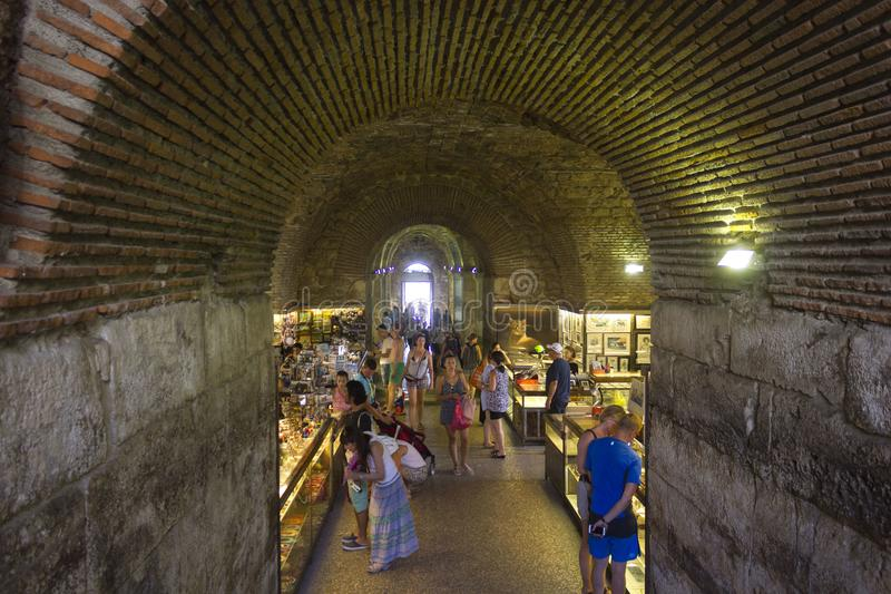 подземелье дворца диоклетиана фото нужны для того