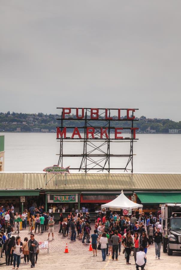 Рынок известного места Pike общественный в Сиэтл стоковое фото rf