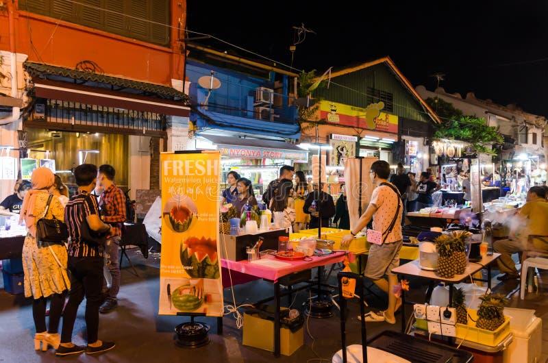 Рынок ночи в пятница, суббота и воскресенье самая лучшая часть улицы Jonker стоковые изображения rf