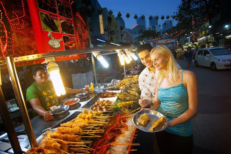 Рынок ночи еды улицы Alor стоковое изображение rf