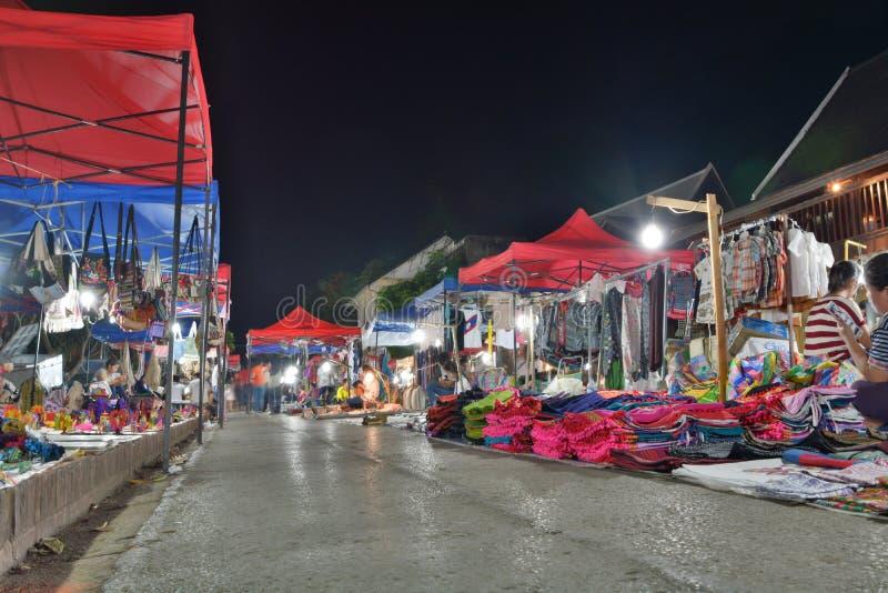 Рынок ночи Luang Prabang Лаос стоковые фотографии rf