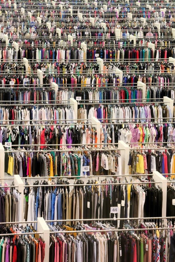 рынок одежд стоковое фото