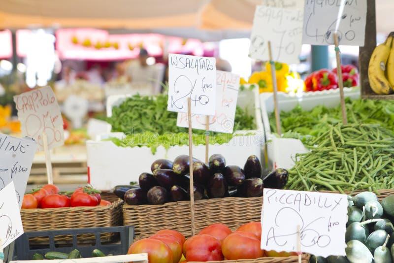 Рынок органических и овощей стоковые фото