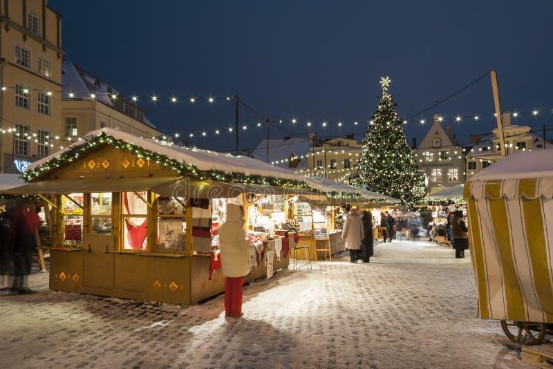 Рынок рождества в Таллине, Эстонии стоковые изображения