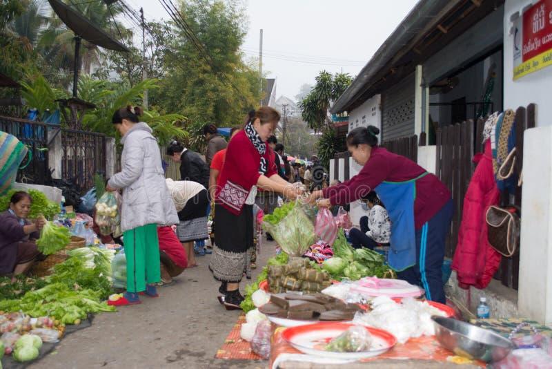 Рынок утра в Luang Prabang стоковые фото