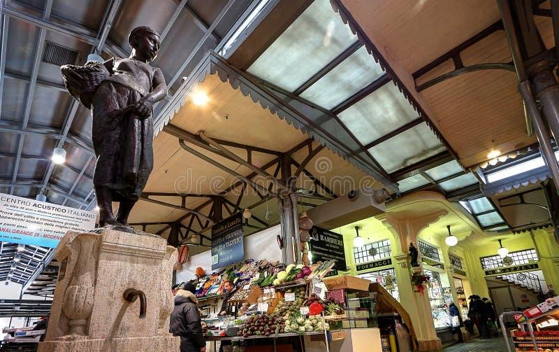 Рынок Albinelli исторический, Модена, Италия стоковая фотография rf