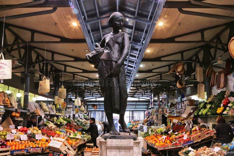 Рынок Albinelli исторический, Модена, Италия стоковая фотография
