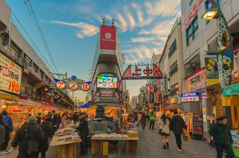 Рынок Ameyoko в вечере стоковые фотографии rf