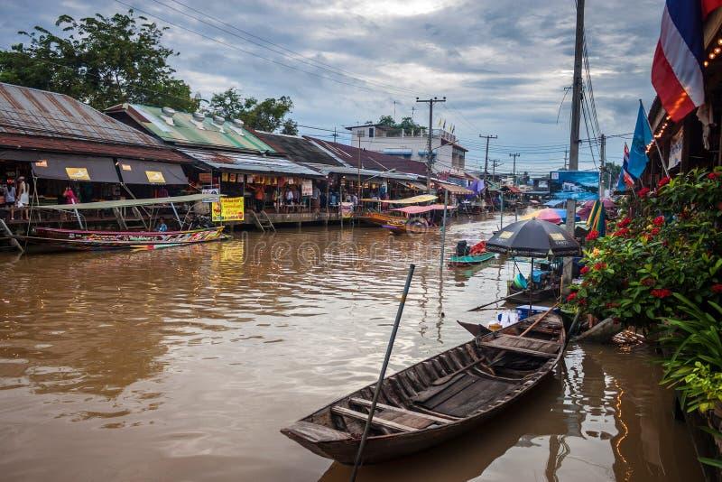 Рынок Ampahwa плавая стоковое изображение