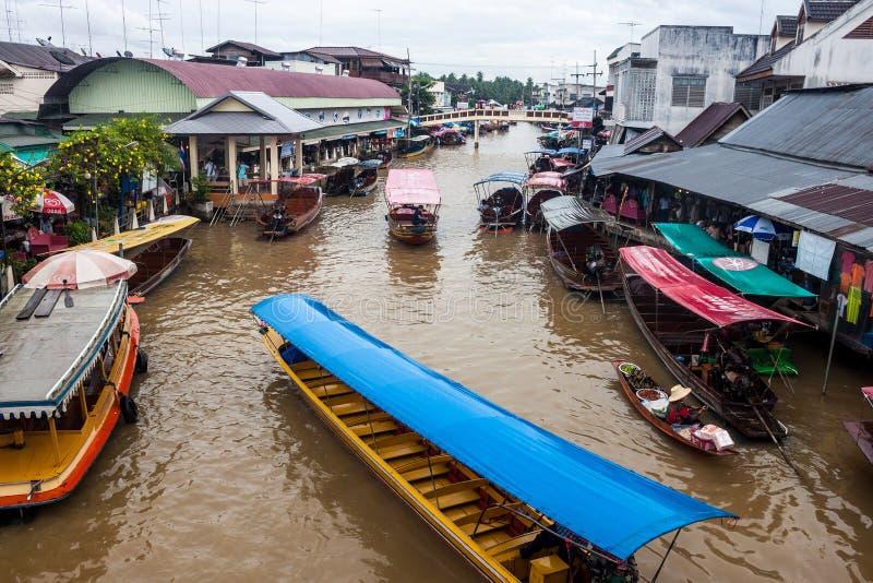 Рынок Ampahwa плавая стоковые изображения rf