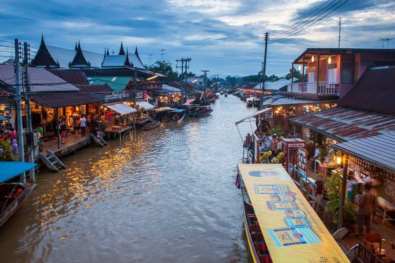 Рынок Ampahwa плавая стоковая фотография