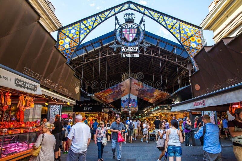 Рынок Boqueria Ла в Барселоне, Испании стоковое изображение