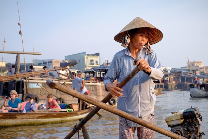 Рынок Cai Rang плавая, может Tho, Вьетнам стоковое фото rf