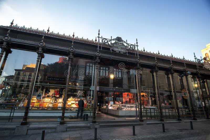 Рынок Mercado de San Miguel в Мадриде стоковое изображение