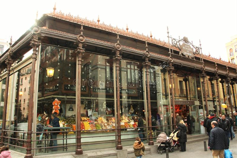 Рынок San Miguel в Мадриде, Испании стоковая фотография rf