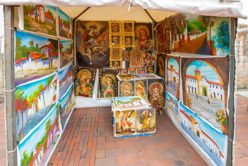 Рынок Usaquen s воскресенья значков и картин Богота религиозный стоковые изображения rf