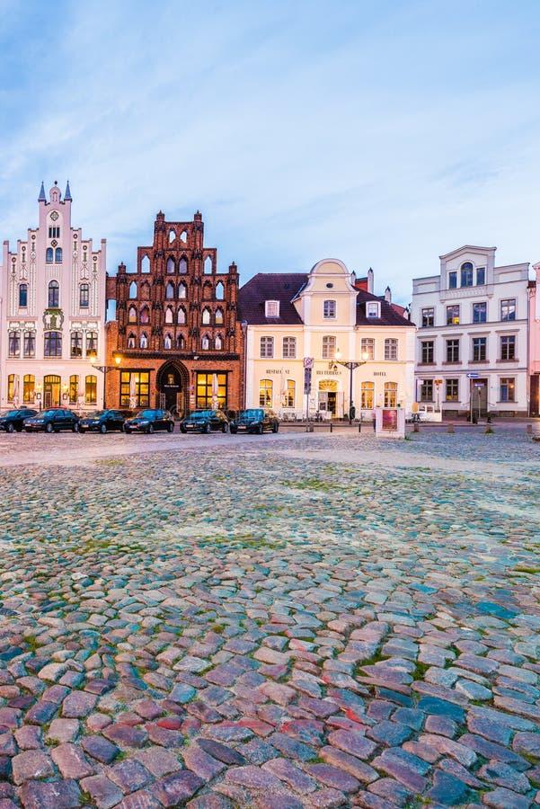 Рыночная площадь в Wismar, Германии стоковая фотография rf