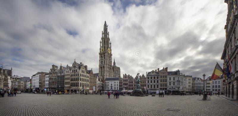 Рыночная площадь Antwerpen Бельгия стоковое изображение rf