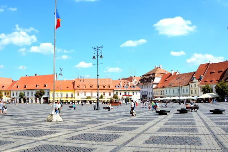 Рыночная площадь в Сибиу, европейской столице культуры на год 2007 стоковые изображения rf