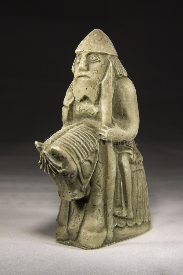 Рыцарь (старая шахматная фигура) стоковое изображение rf