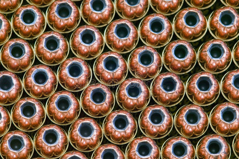 рядки пункта пуль боеприпасыа полые стоковая фотография rf