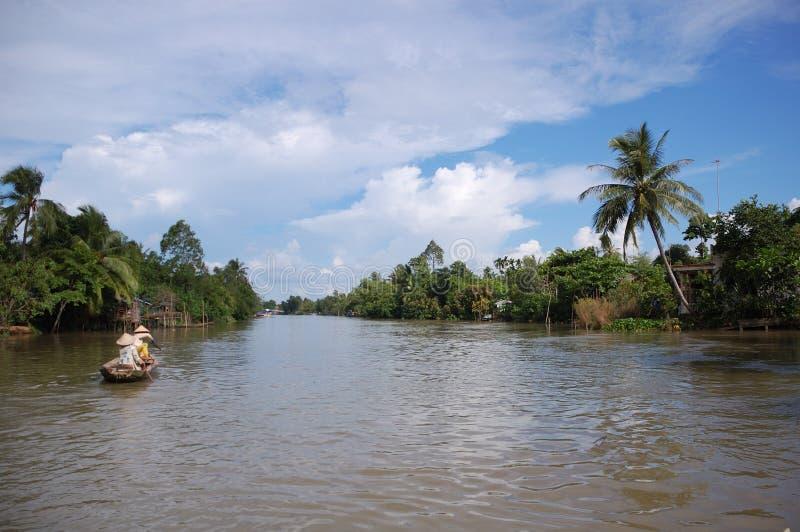 рядок реки mekong шлюпки стоковое изображение