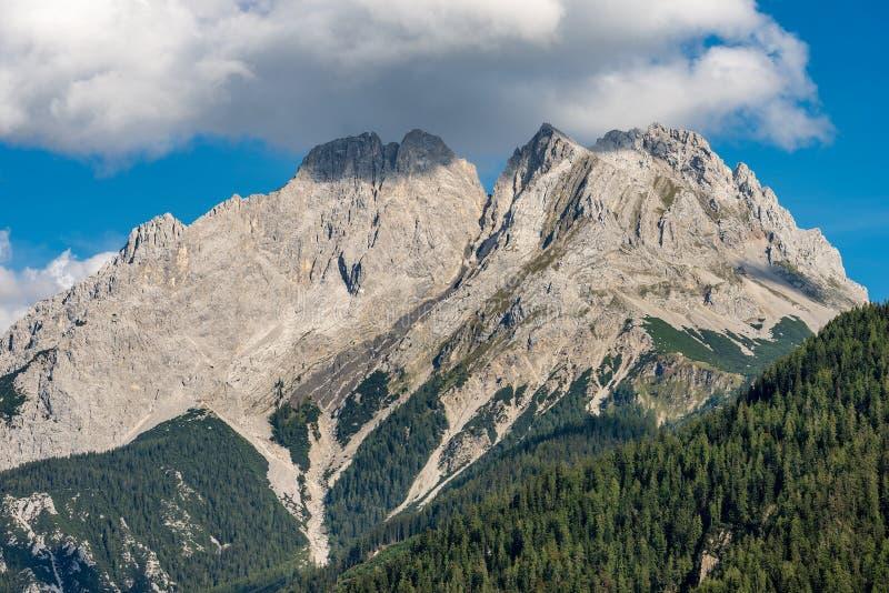 Ряд Mieming или горы Mieminger - Альп Тироль Австрия стоковые фото